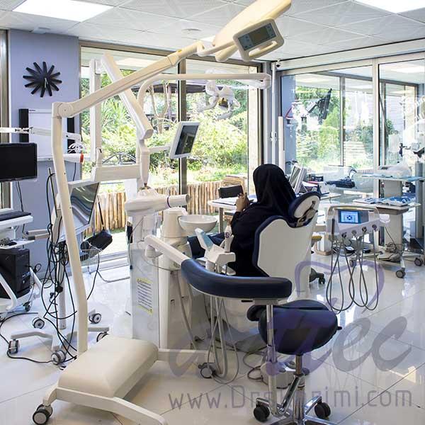 کلینیک دندانپزشکی زیبایی و ایمپلنت
